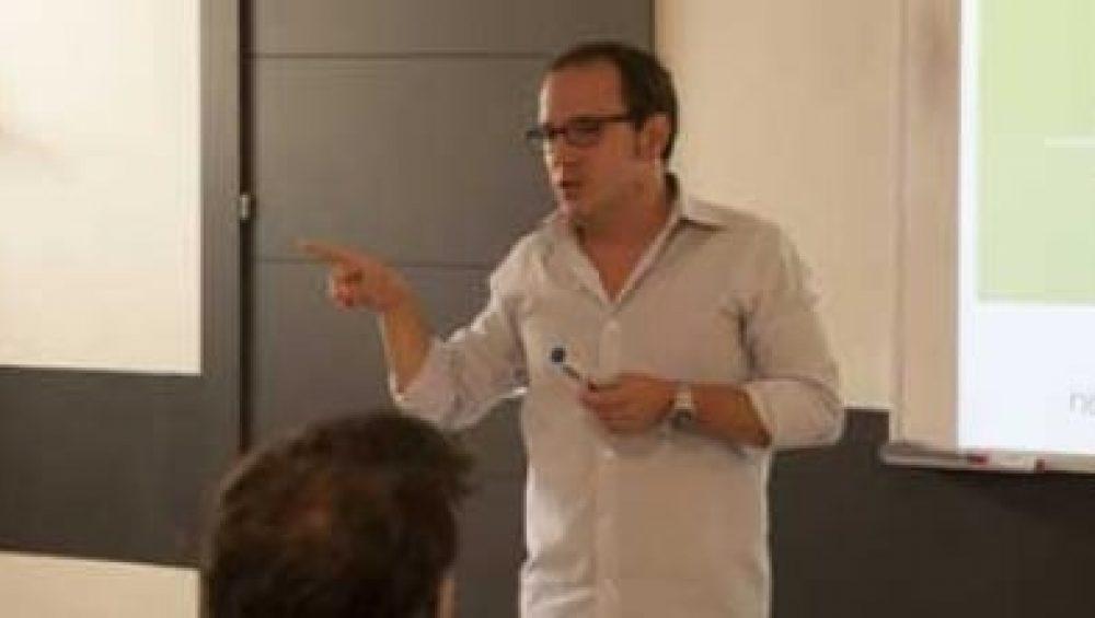 profesor tracor comunicacion corporativa hablando sobre bitcoin